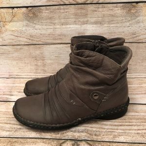 Earth Origins Zip Up Ankle Boots